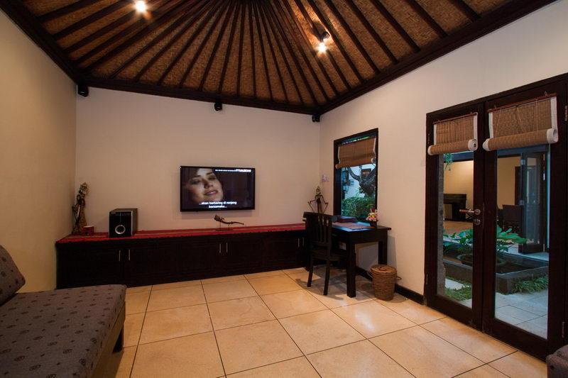 TV_Room