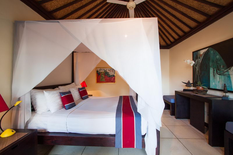 Bedroom_2_Canopied_Bed_And_Ceiling_Fan