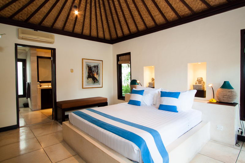 Bedroom_1_Double_Bed_And_AC_In_The_Room