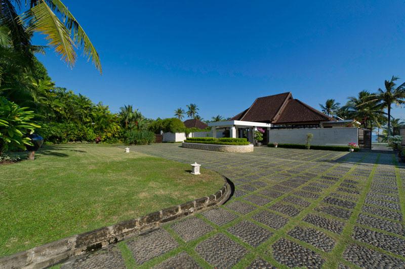 Villa Kailasha 118 705616987719 Villa Entrance