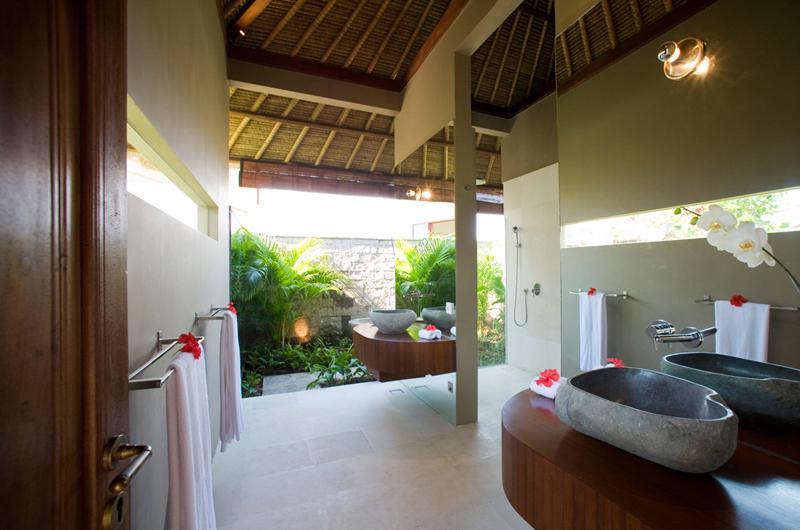 Villa Mary @ Pantai Lima