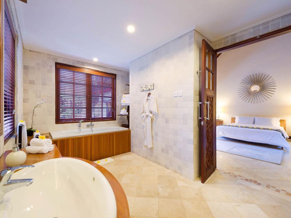 Villa San 153 100796471811