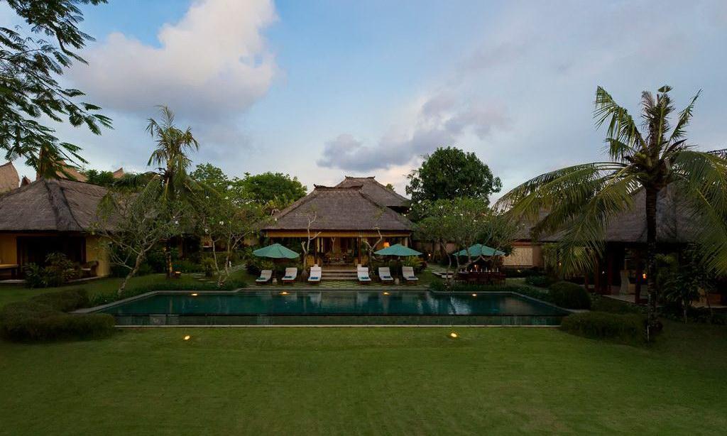 Villa Surya Damai 15 972518213
