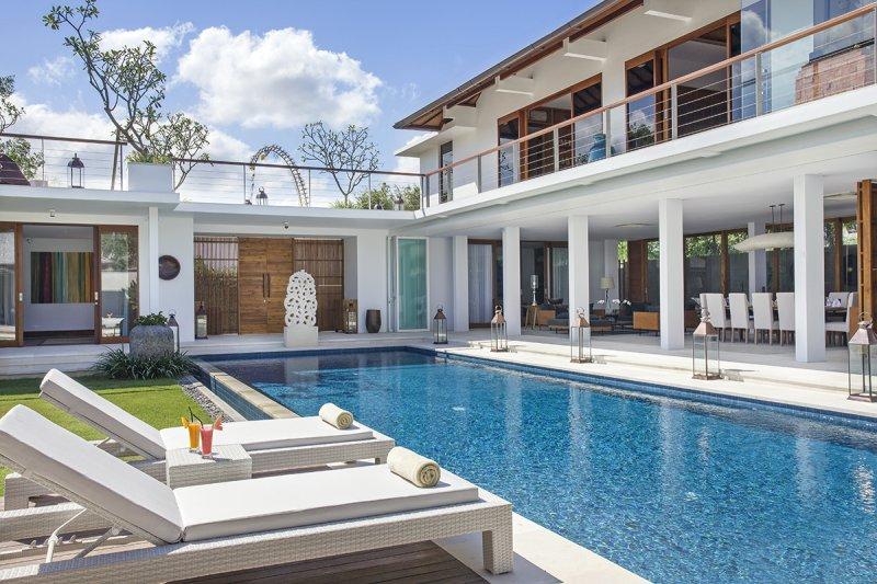 Villa Cendrawasih 160 539417323617 The Whole Villa Compound During The Day