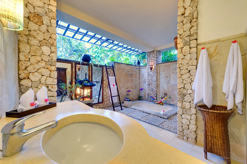 Villa Sungai Tinggi   Guest Bathroom 2 Copy