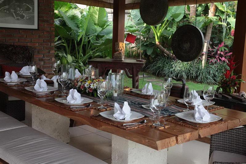 Villa Sati Dining