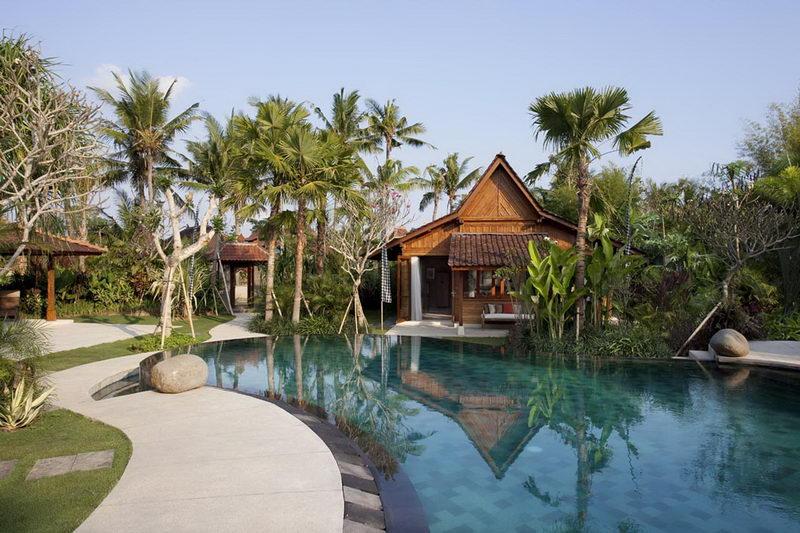 Villa Sati Twin Bedroom From Pool