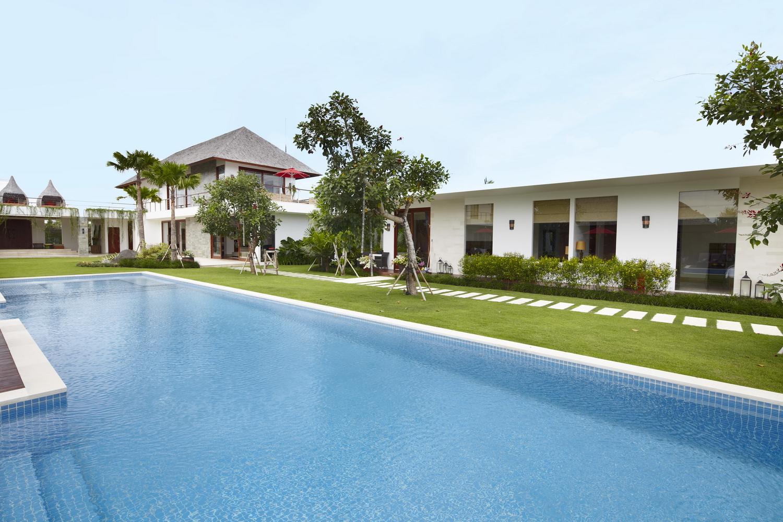 Pool_And_Villa
