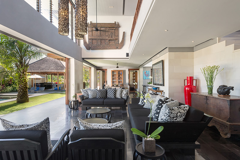 Open Fronted Living Area
