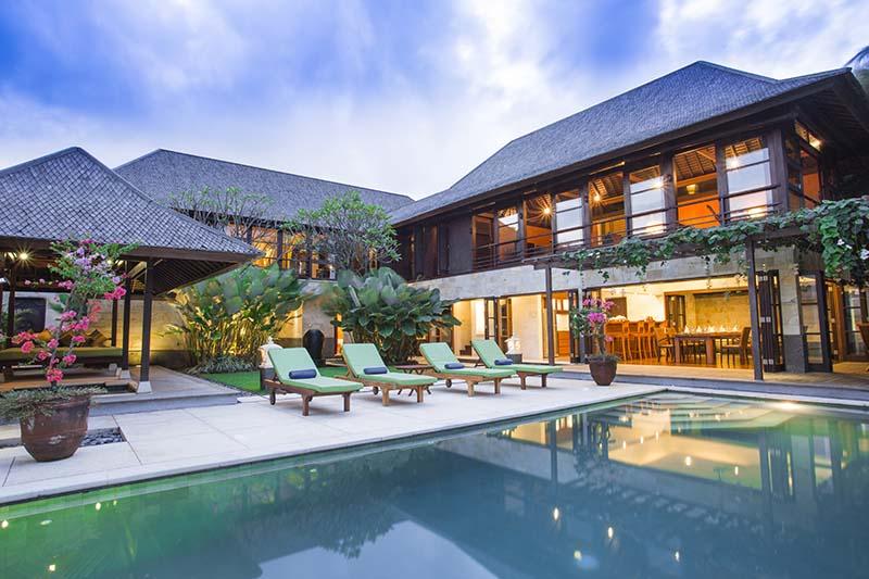 Villa Bayu Gita Residence Poolside At Night