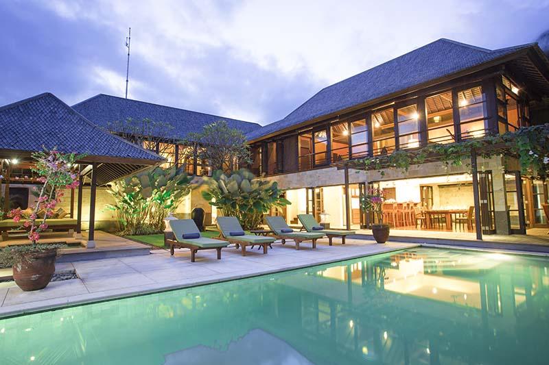Villa Bayu Gita Residence Poolside At Night 2