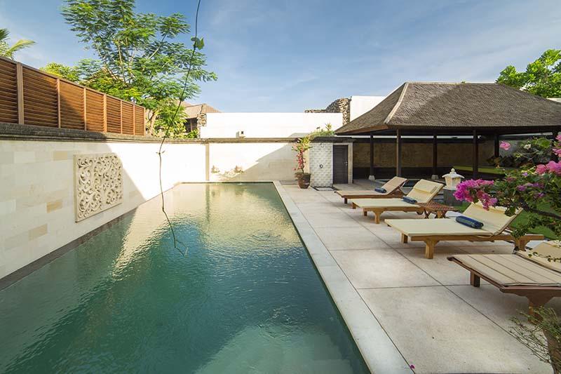 Villa Bayu Gita Residence Pool And Deckchairs
