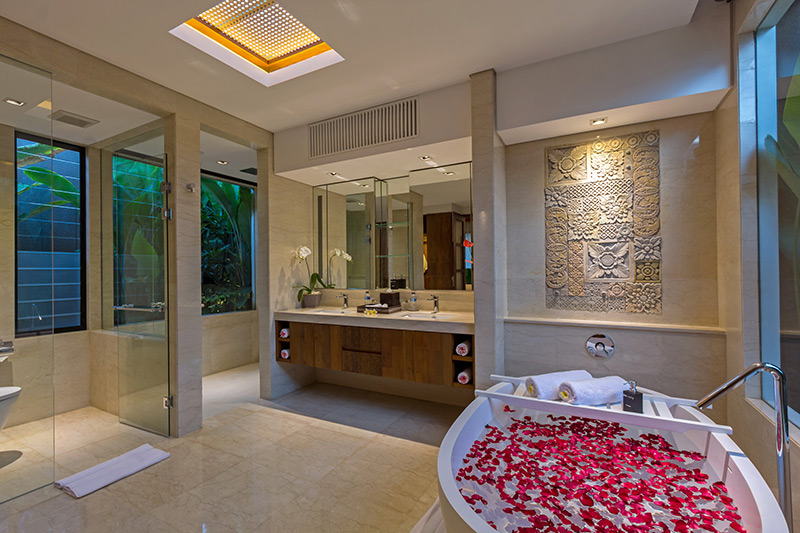 Master Suite Bathroom I