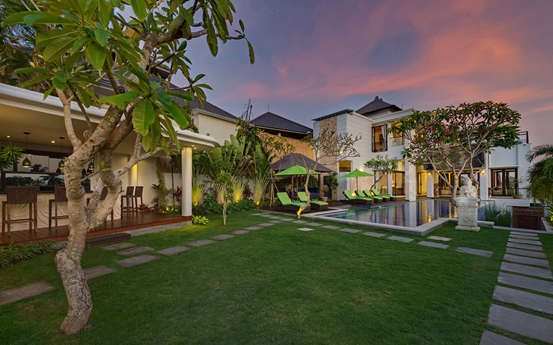 Villa LuWih 211 136085774231 Pool Area