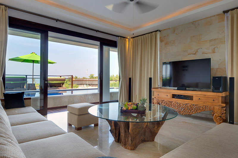 Villa LuWih 211 684974073822 Upstairs Media Room