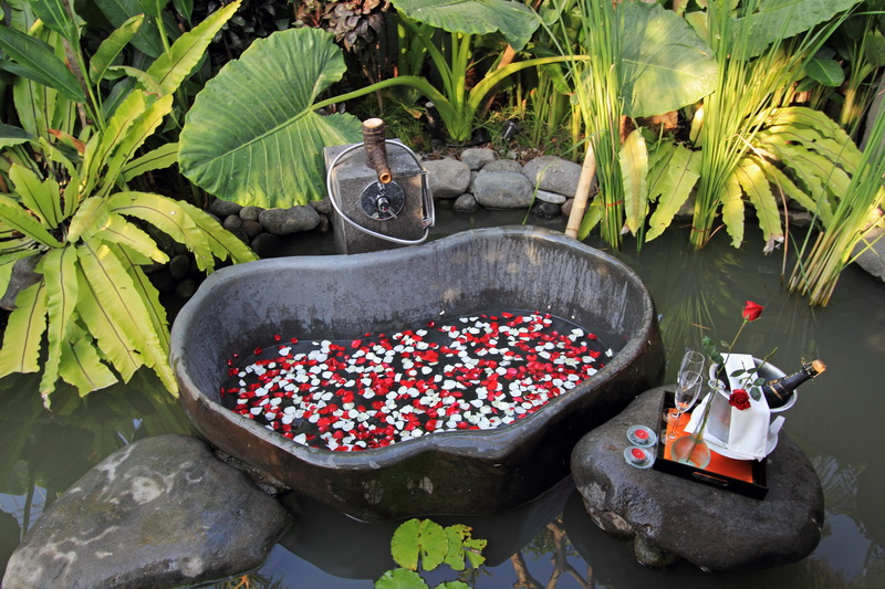 Villa Kemala 218 31671473807 Outdoor Bathtub
