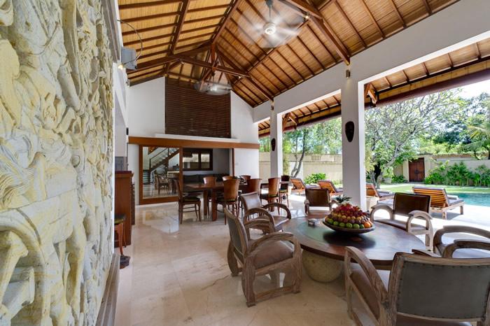 Villa Maharaj Living Room Towards Dining Area