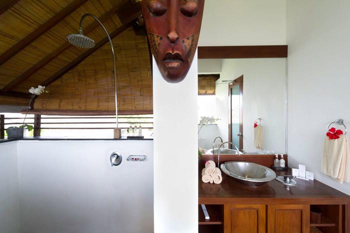 Villa Maharaj Guest Bathroom 1