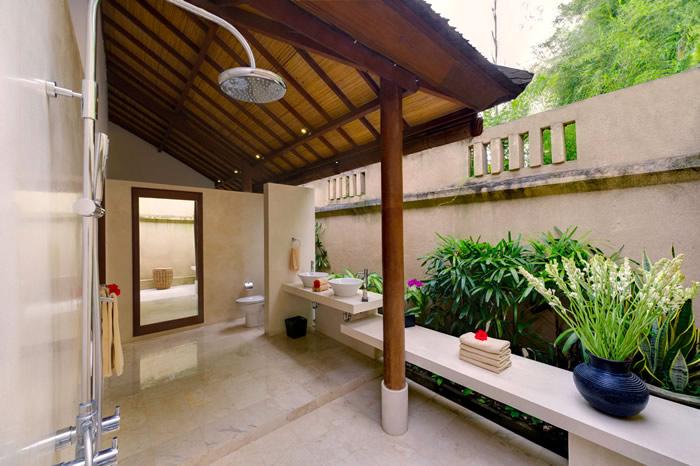 Villa Maharaj Guest Bathroom 2