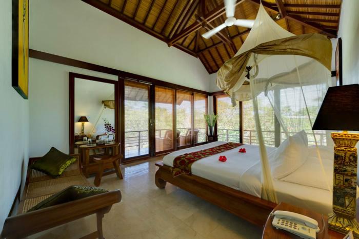 Villa Maharaj Upstairs Bedroom