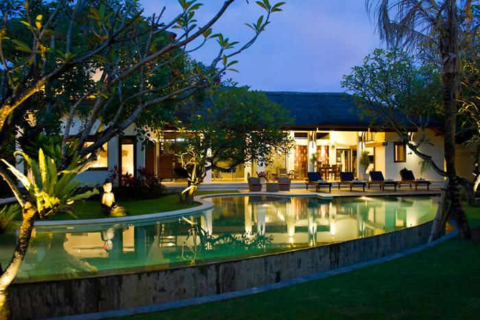 Villa Maharaj Dusk View Of Villa