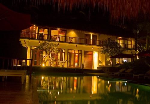 Villa Awan Biru 226 312369992921 Exterior At Night