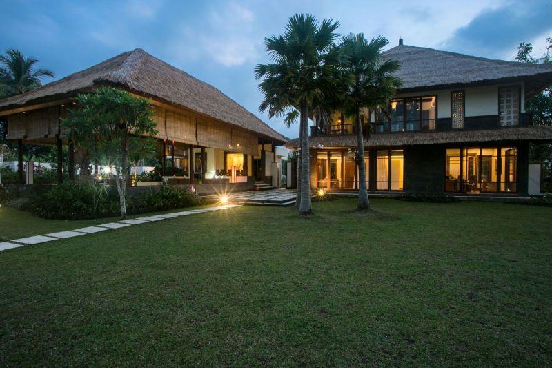 Villa Vastu 227 977478696424 Huge Garden