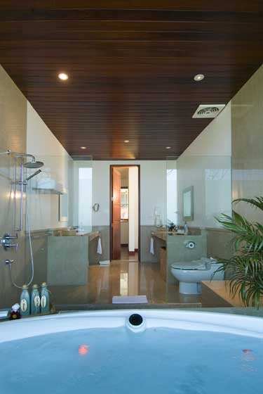 Sanur Residence 233 187366680216 B2 Master Bathroom