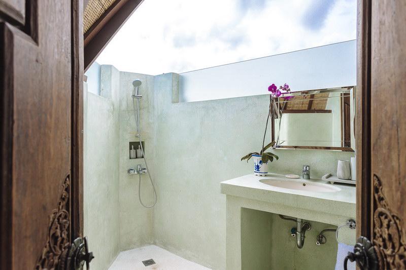 Villa Baganding 234 345898103417 Guest Bathroom 2