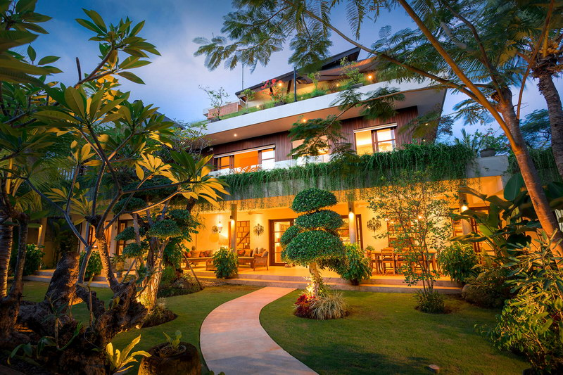 Villa Baganding 234 67870157798 Villa-Baganding-Villa-at-night