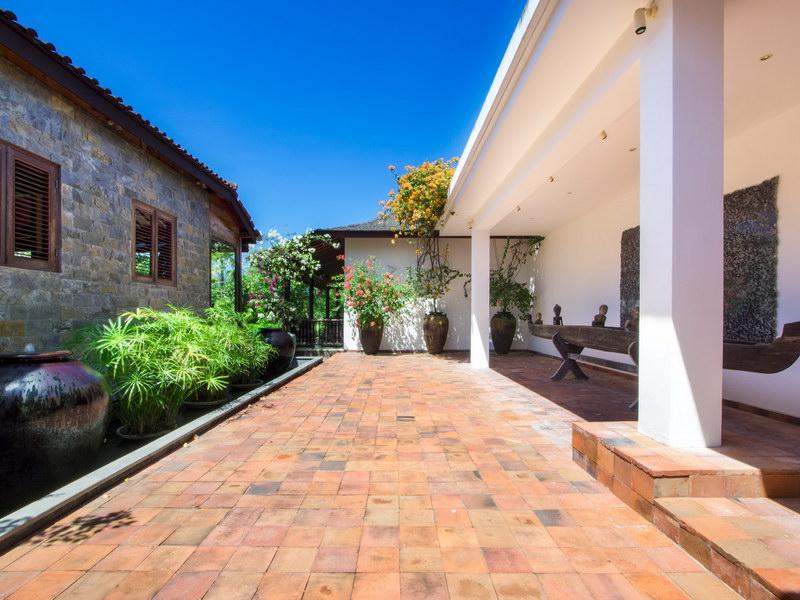 Villa Theo 239 199351596636 Entrance