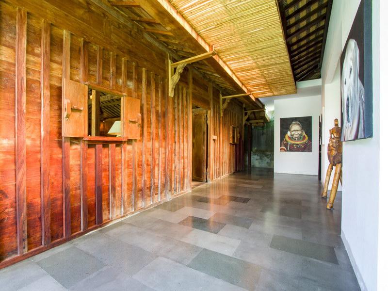 Villa Theo 239 333546601732 Hallway