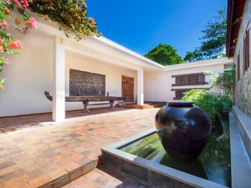 Villa Theo 239 769259300037 Entrance