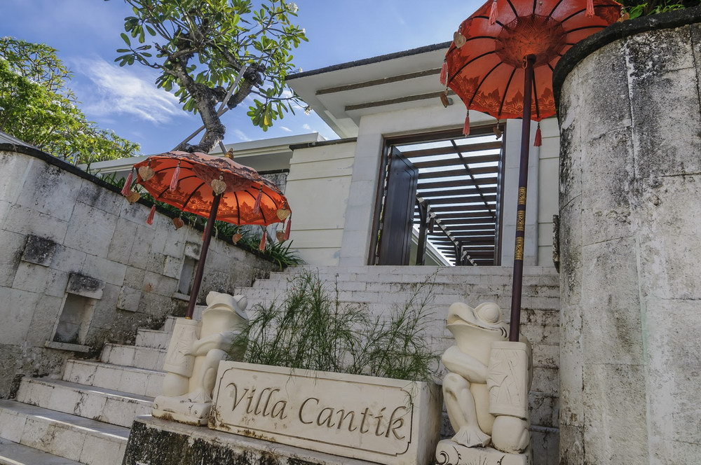 Villa Cantik 248 316379249019 Entrance