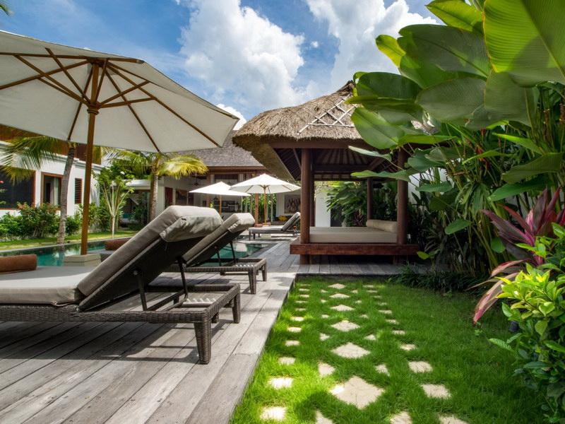 Villa Abagram 260 387468650438 Poolside