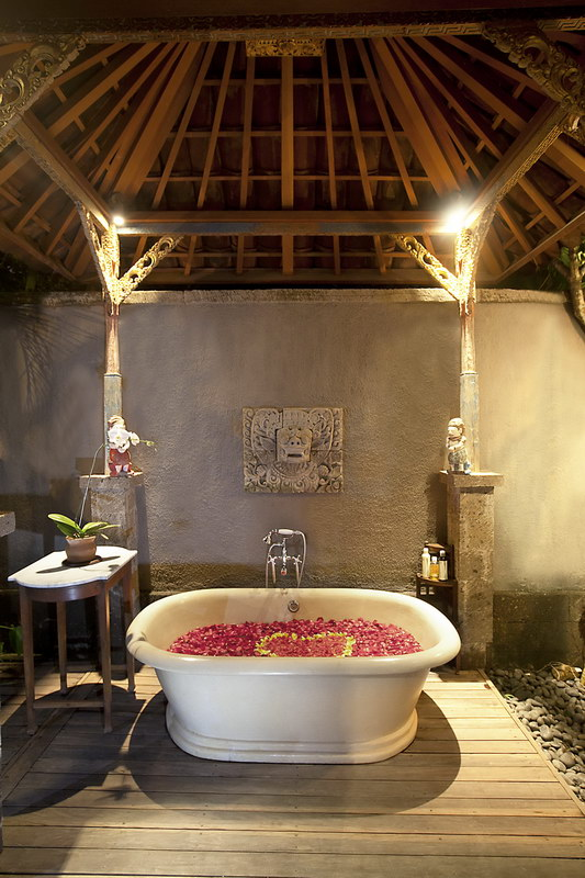 Des Indes Villa I 270 699584959513 Outdoor Bathtub At Pavilion