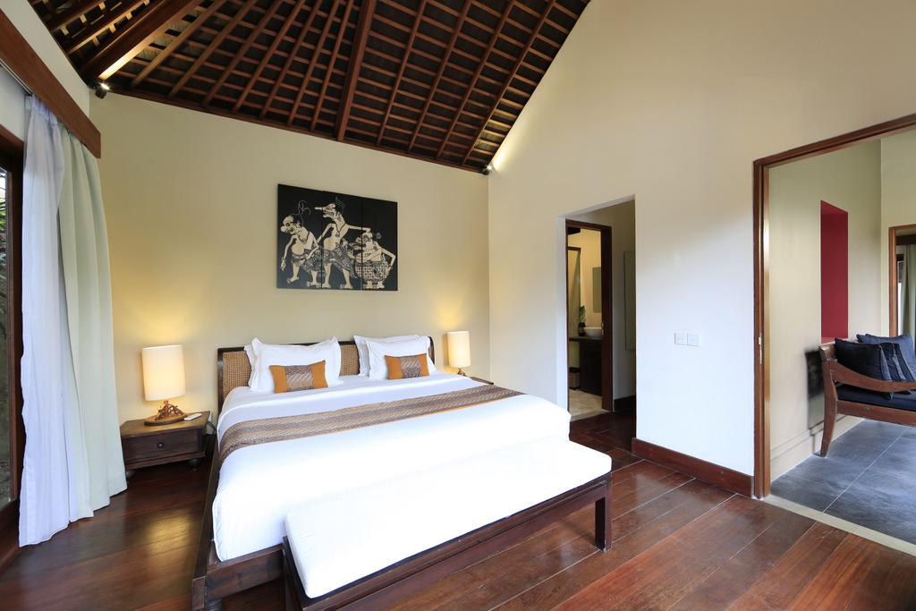 Wooden_Floor_Bedroom