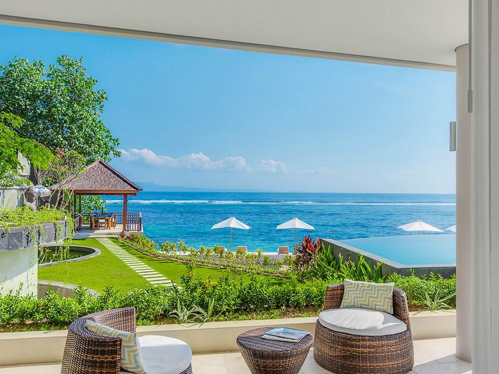 Outdoor Terrace Oceanfront Bedroom