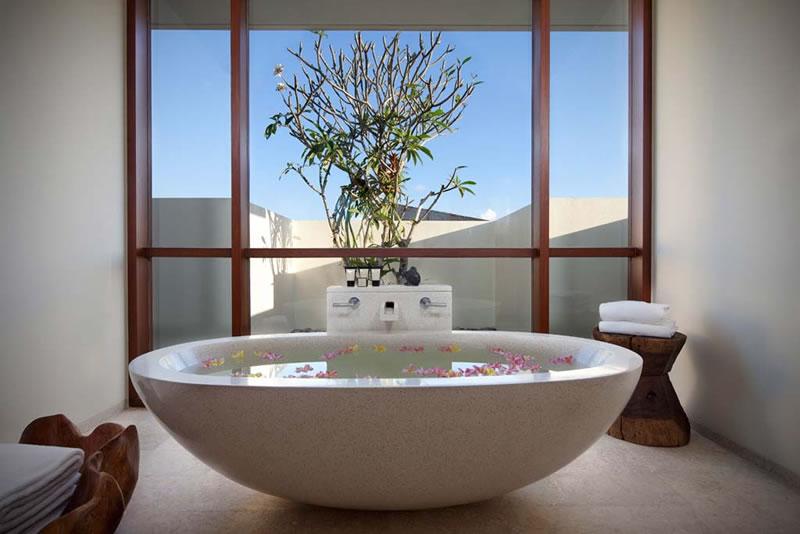 Villa_Satria_Master_Bathroom