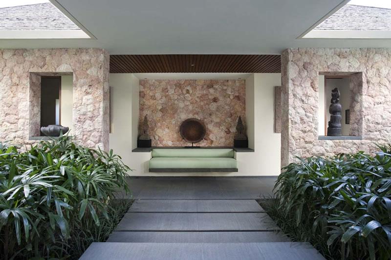Villa_Satria_Bench_Seat