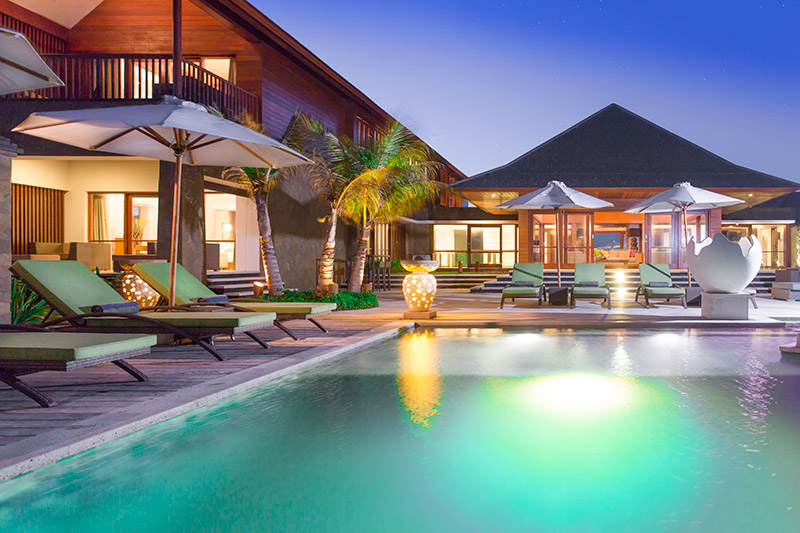 Villa Bayu Gita Beachfront Poolside At Night