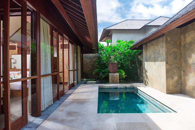 Villa Bayu Gita Beachfront Master Suite Two Plunge Pool