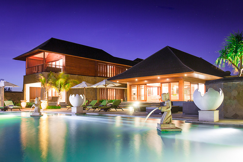 Villa Bayu Gita Beachfront Pool And Villa At Night