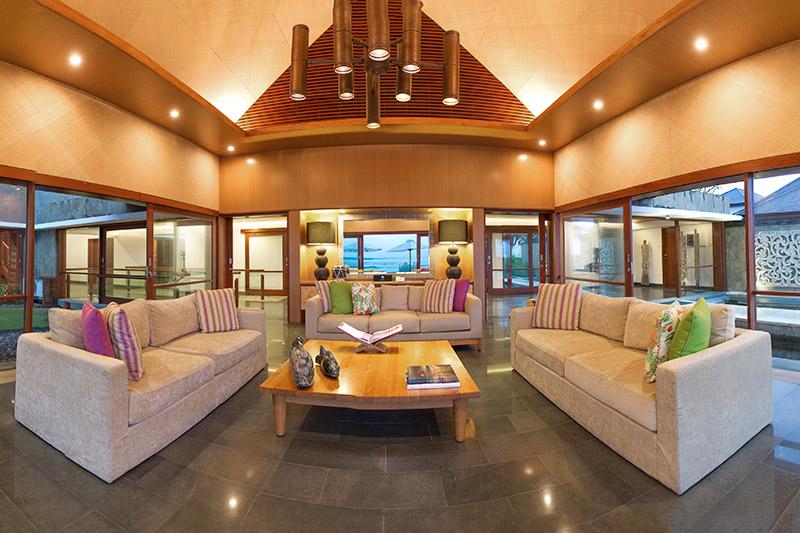 Villa Bayu Gita Beachfront Sitting Area