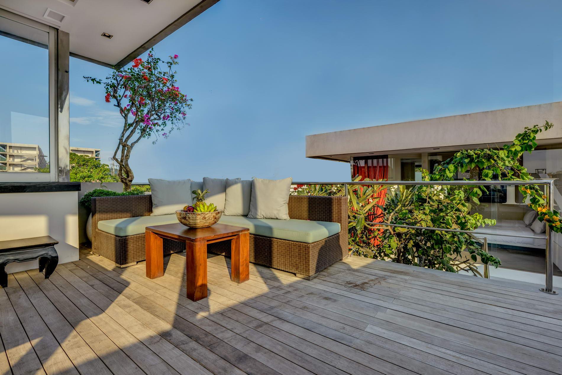 Sofa_At_Balcony