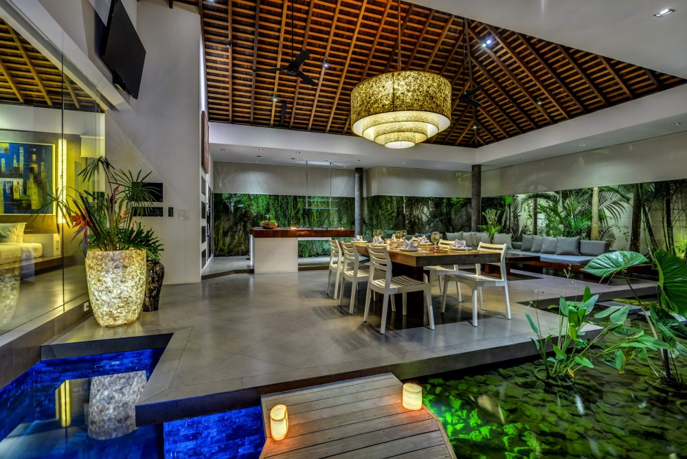 Dining_Area_At_Dusk